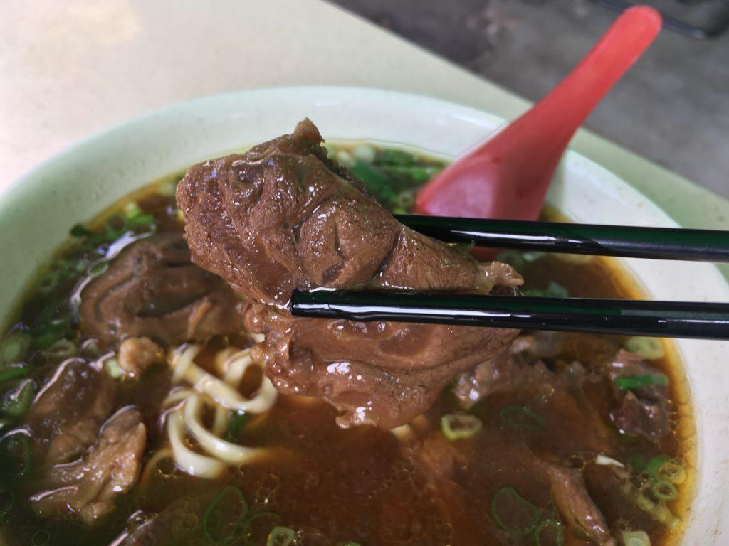 吳家牛肉麵店の牛肉麺