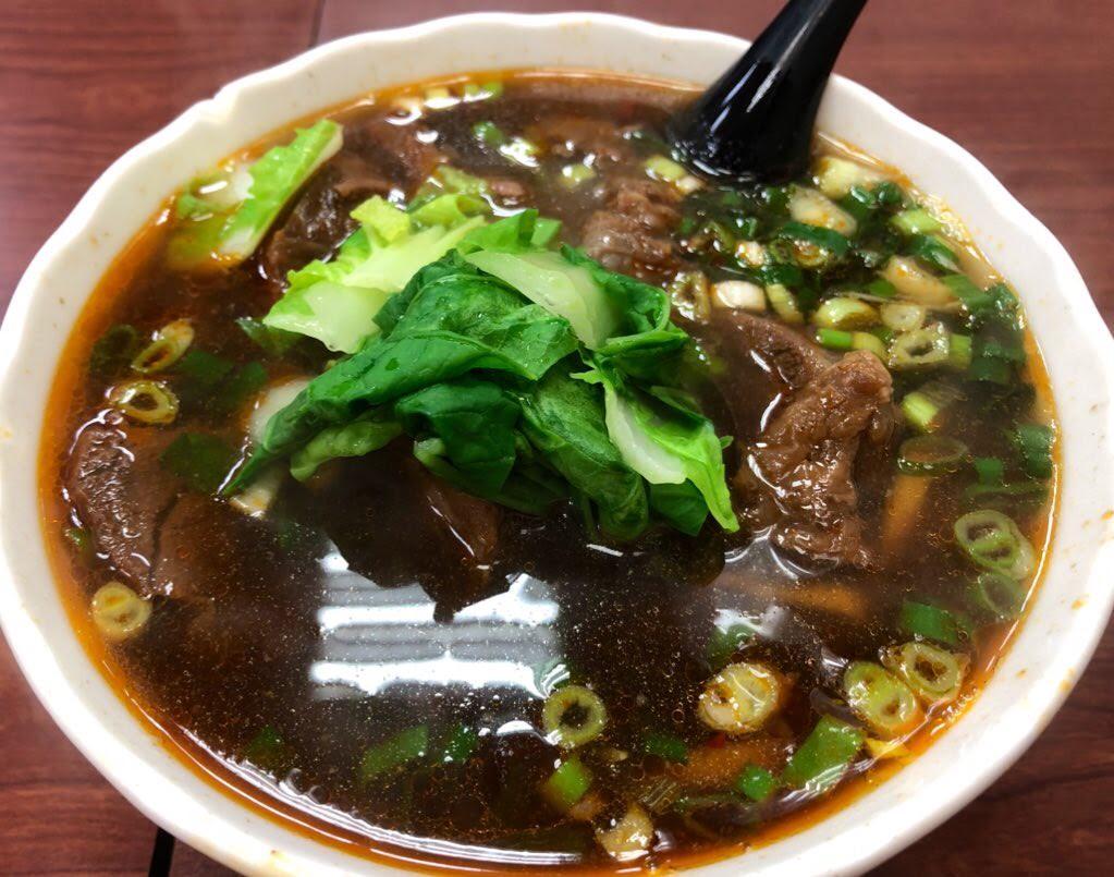 忠誠牛肉麺